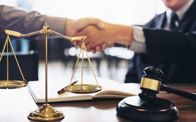 Zastaw na udziałach – jak ustanowić skuteczne zabezpieczenie na udziałach kontrahenta…?